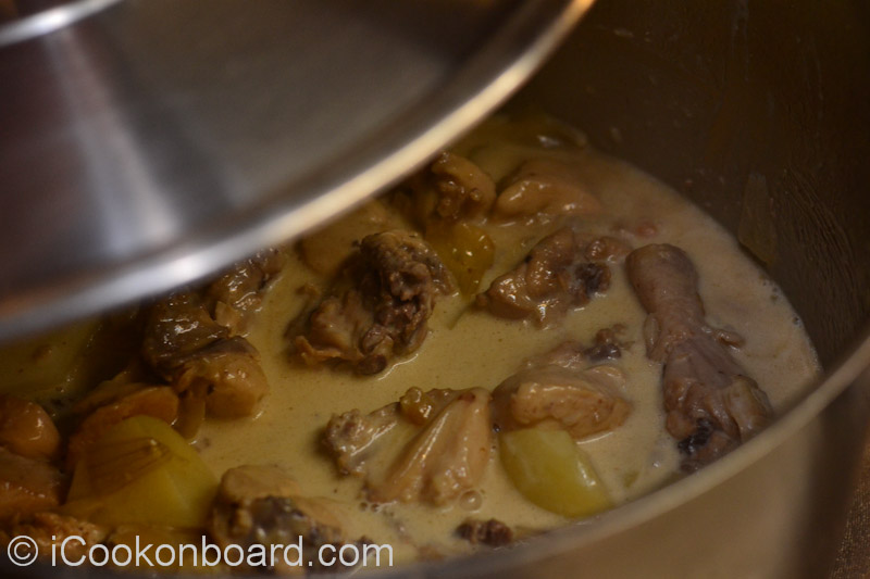 how to cook adobong manok with potato