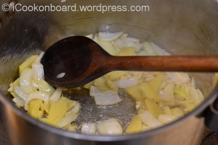 Sweat ginger, garlic and onions in oil. {Soup pot 5ltrs. capacity}