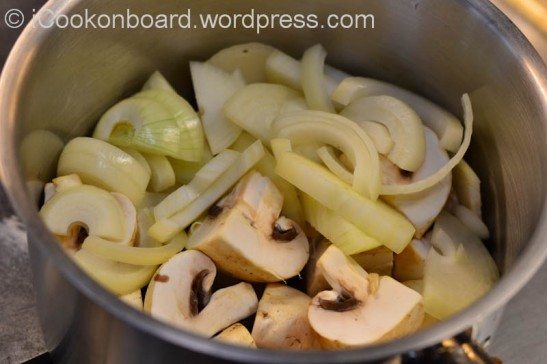 Place chopped mushroom and onion in a sauce pan.