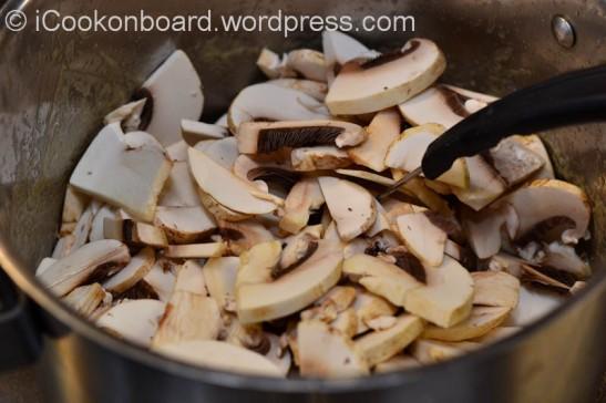 Fresh & Creamy Mushroom Soup-3975