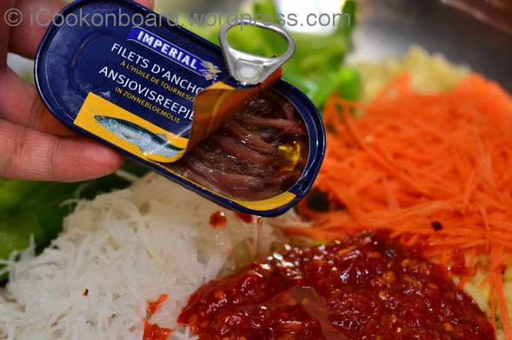 If Anchovy Dashida is not available, especially here in Europe, I use Anchovy fillet in oil as a substitute.