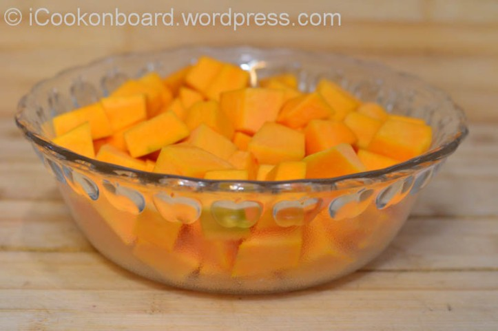 Cut 1kgs. of pumpkin into cubes.