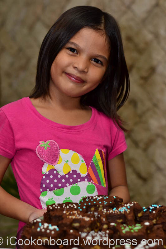 Jesica's Brownies for Christmas Photo by Nino Almendra