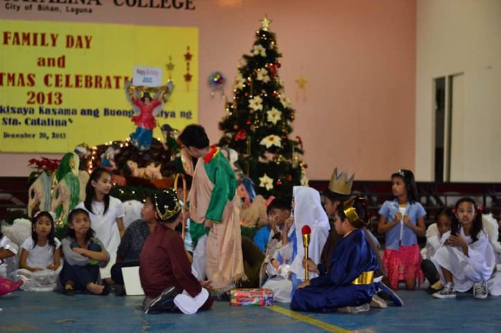 4th Grade Christmas Presentation. Photo by Nino Almendra