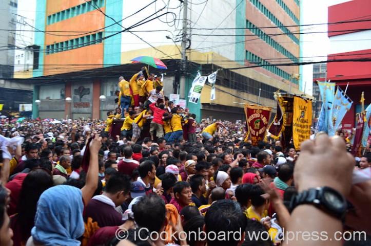 Andas ng Nuestro Poong Jesus Nazareno at Hidalgo st. Quiapo Manila. Pista ng Itim na Nazareno Photo by Nino Almendra
