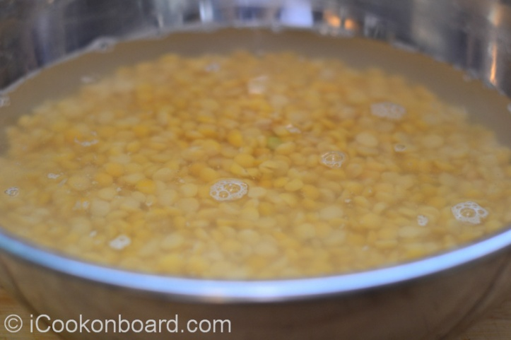 2 cups (500grms) Yellow peas, soak in 2 liters of water overnight.
