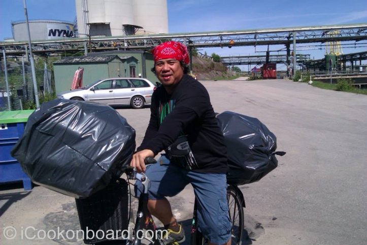 Rodel Rivera, our ship's Able Bodied Seaman.  Happy and overloaded !!!