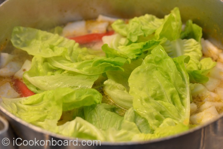 Onboard, I use iceberg or romaine/cos lettuce. At home, kangkong leaves is best to use if available.
