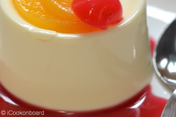 Panna Cotta Photo by Nino Almendra