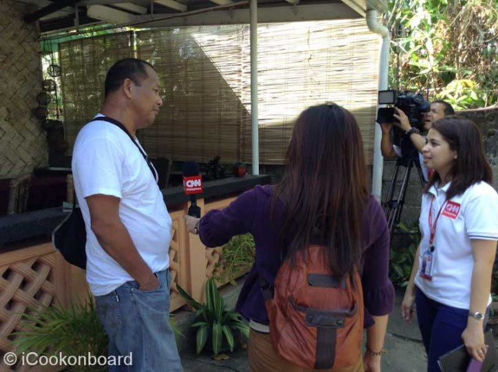 My Kuya Mando giving some Trivia question for another TVshow.