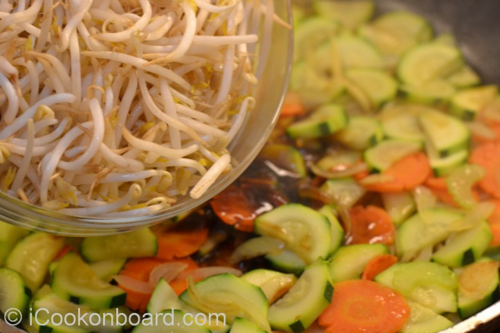 Crunchy Bean Sprouts Stir Fry