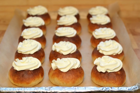 Whipped Cream and Icing Sugar Toppings